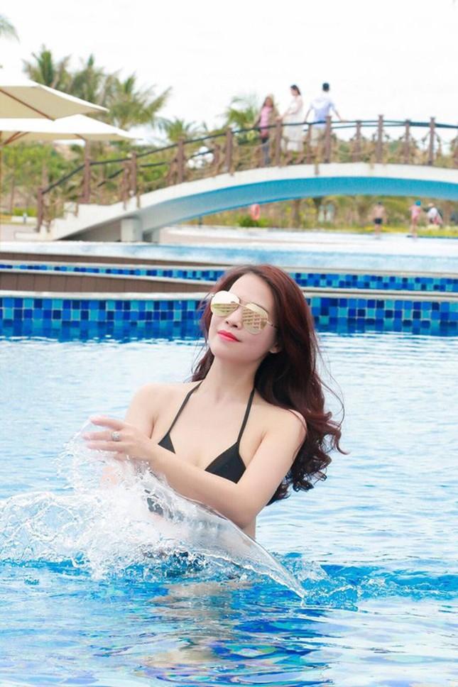 Loạt ảnh bikini của bạn gái kém 18 tuổi của nghệ sĩ Chí Trung ảnh 4