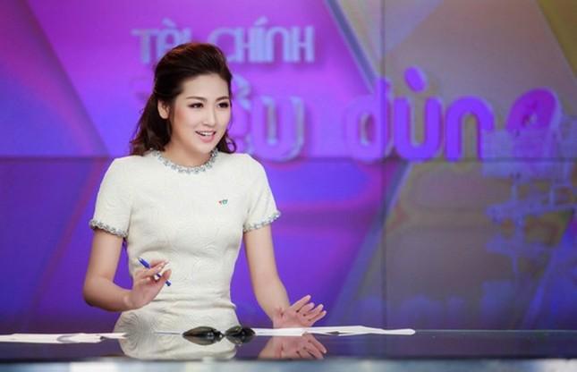 Những Hoa hậu, Á hậu 'dấn thân' nghề báo ảnh 5