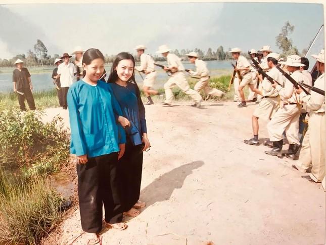 BTV Hoài Anh tung ảnh cách đây 20 năm cùng Lý Hùng, Thương Tín ảnh 3