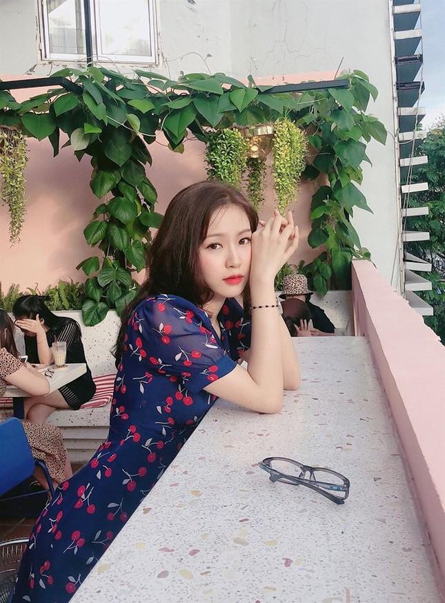 Cô gái đẹp 'sương sương' như Hoa hậu Thu Thảo tại Hoa hậu Việt Nam 2020 ảnh 6