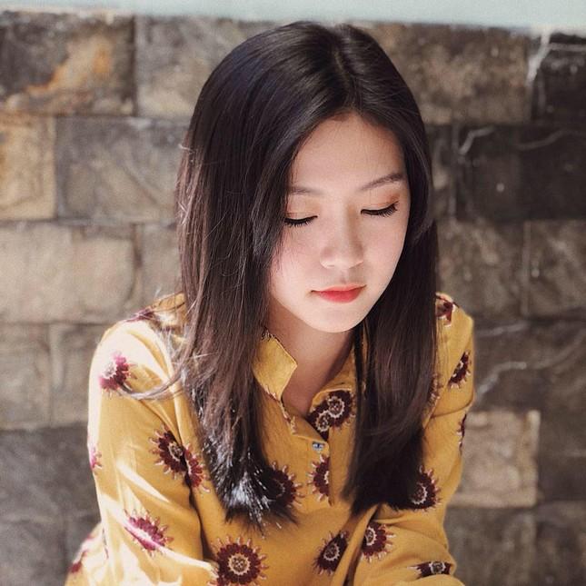 Cô gái đẹp 'sương sương' như Hoa hậu Thu Thảo tại Hoa hậu Việt Nam 2020 ảnh 5