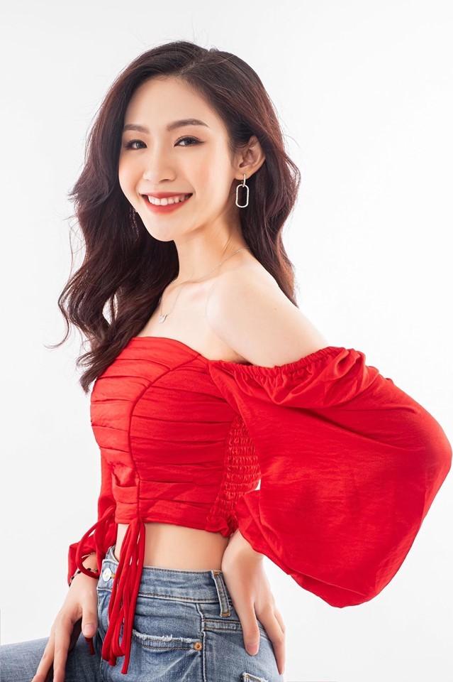 Cô gái đẹp 'sương sương' như Hoa hậu Thu Thảo tại Hoa hậu Việt Nam 2020 ảnh 1