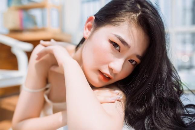Nữ sinh Báo chí thần tượng Hoa hậu Nguyễn Thị Huyền, quyết tâm ghi danh tại HHVN 2020 ảnh 5