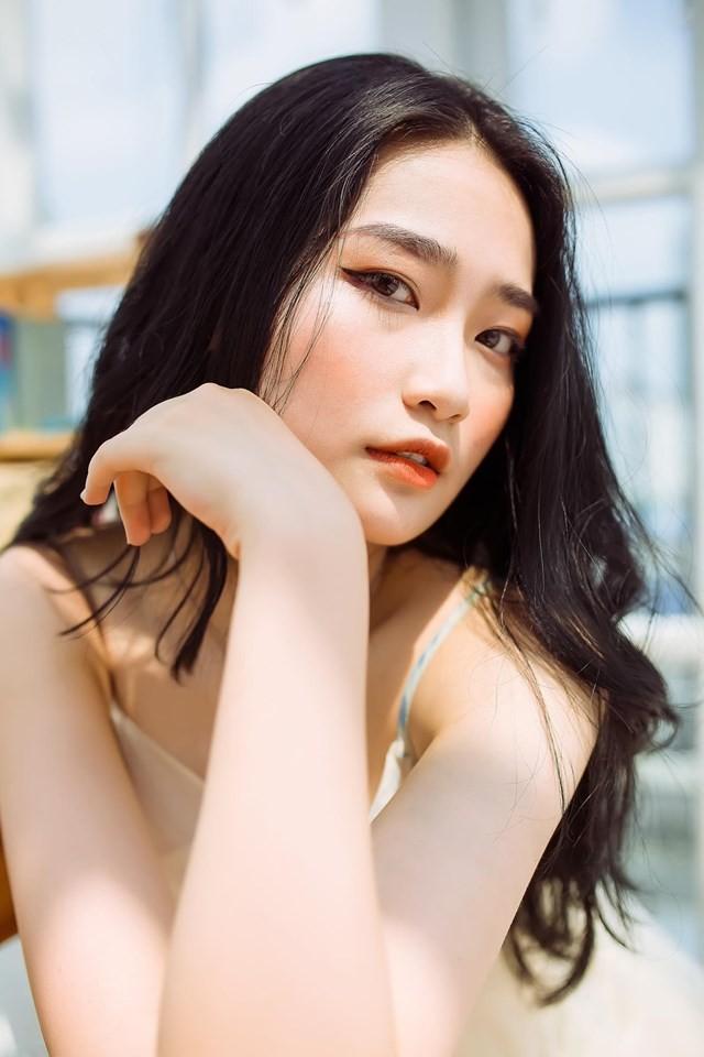 Nữ sinh Báo chí thần tượng Hoa hậu Nguyễn Thị Huyền, quyết tâm ghi danh tại HHVN 2020 ảnh 4