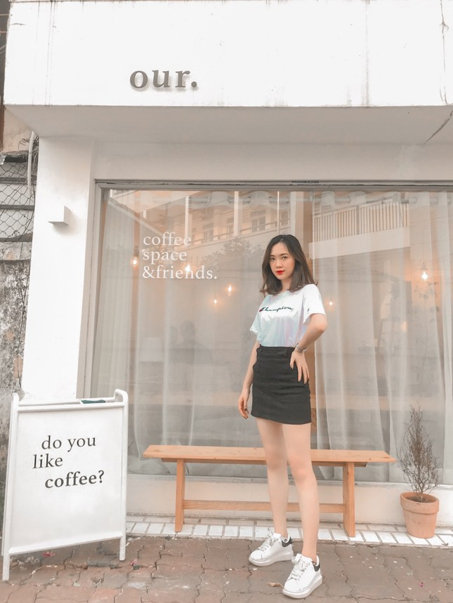 Nữ sinh Học viện Tài chính sở hữu vòng eo 59cm dự thi Hoa hậu Việt Nam 2020  ảnh 1