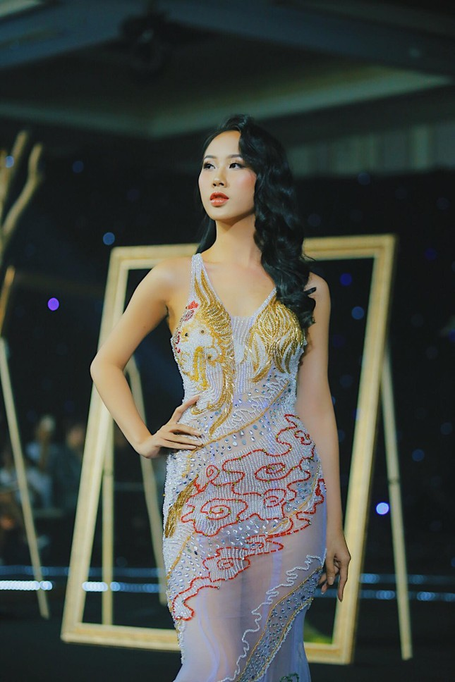 Mẫu nữ từng tham gia chương trình 'Đối mặt cảm xúc' ghi danh tại Hoa hậu Việt Nam 2020 ảnh 5