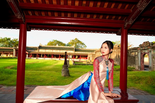 Nhan sắc gây mê của Á khôi Đại học Huế dự thi Hoa hậu Việt Nam 2020 ảnh 11