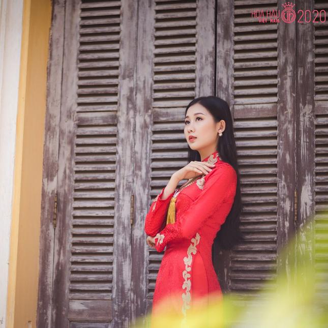 Nhan sắc gây mê của Á khôi Đại học Huế dự thi Hoa hậu Việt Nam 2020 ảnh 5