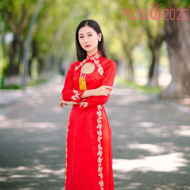 Nhan sắc gây mê của Á khôi Đại học Huế dự thi Hoa hậu Việt Nam 2020 ảnh 2