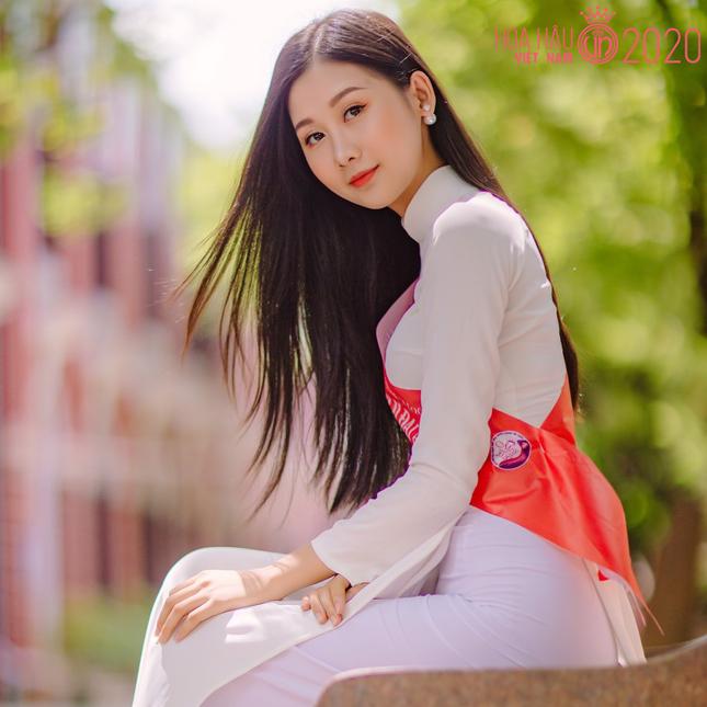 Nhan sắc gây mê của Á khôi Đại học Huế dự thi Hoa hậu Việt Nam 2020 ảnh 1