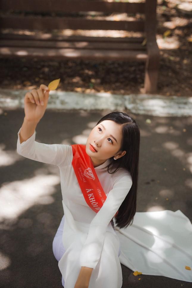 Nhan sắc gây mê của Á khôi Đại học Huế dự thi Hoa hậu Việt Nam 2020 ảnh 9