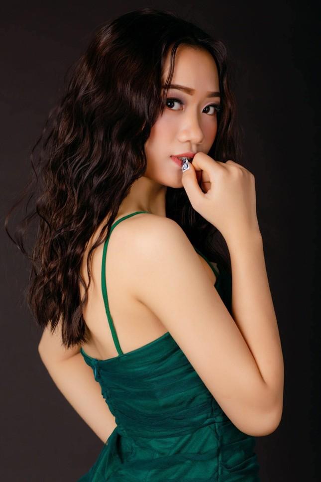 Nhan sắc cô gái Nghệ An dự thi Hoa hậu Việt Nam 2020 ảnh 3