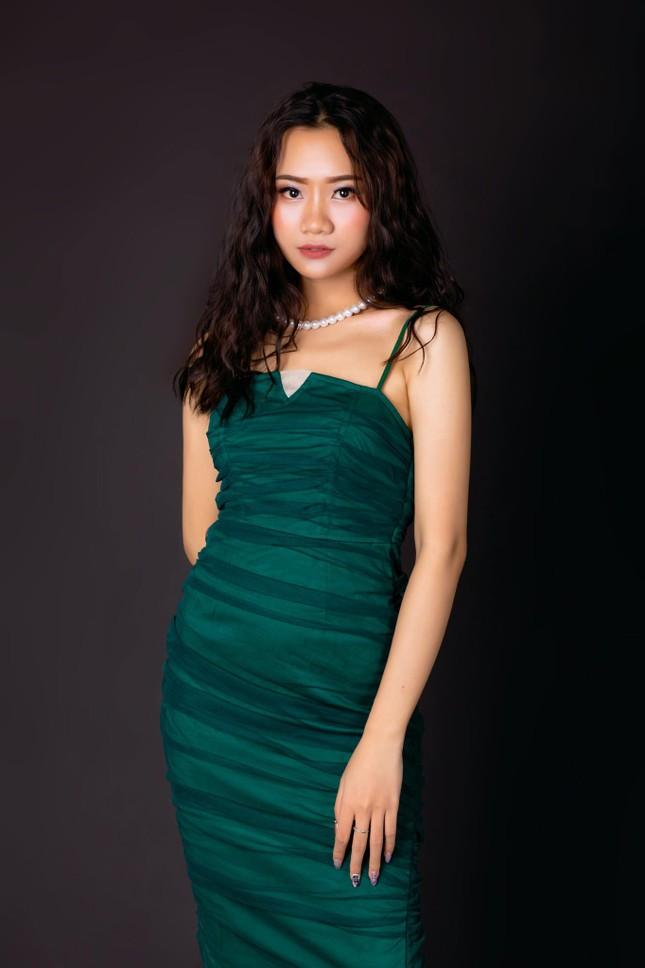 Nhan sắc cô gái Nghệ An dự thi Hoa hậu Việt Nam 2020 ảnh 2