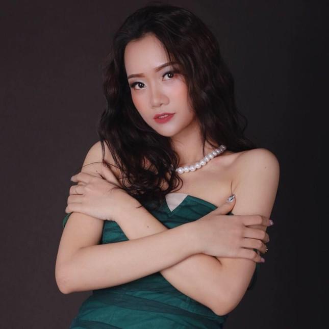 Nhan sắc cô gái Nghệ An dự thi Hoa hậu Việt Nam 2020 ảnh 6