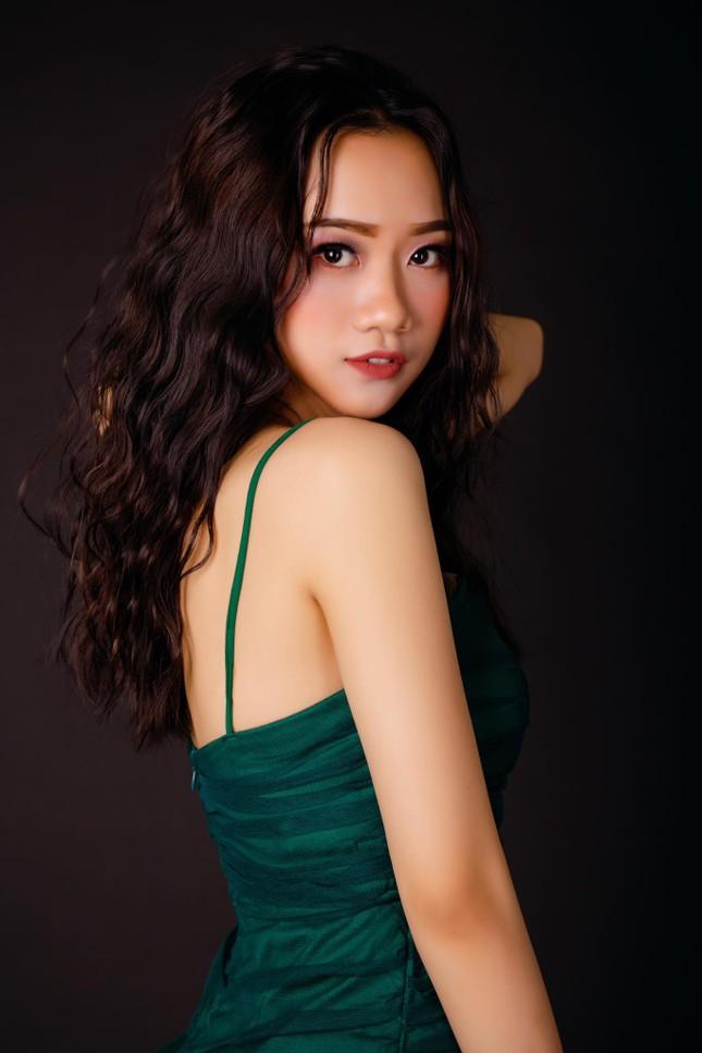 Nhan sắc cô gái Nghệ An dự thi Hoa hậu Việt Nam 2020 ảnh 1