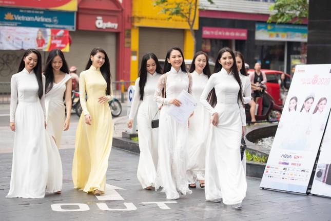 Toàn cảnh Sơ khảo phía Nam cuộc thi Hoa hậu Việt Nam 2020 ảnh 1