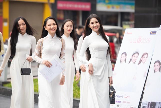 Toàn cảnh Sơ khảo phía Nam cuộc thi Hoa hậu Việt Nam 2020 ảnh 2