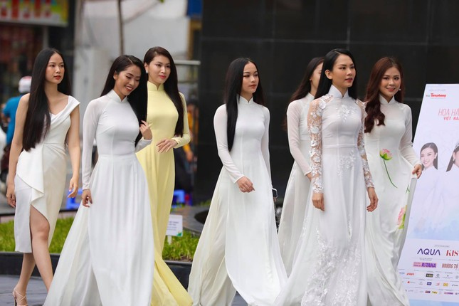 Ban giám khảo Hoa hậu Việt Nam 2020 chia sẻ cảm tưởng trước khi bước vào Sơ khảo ảnh 2