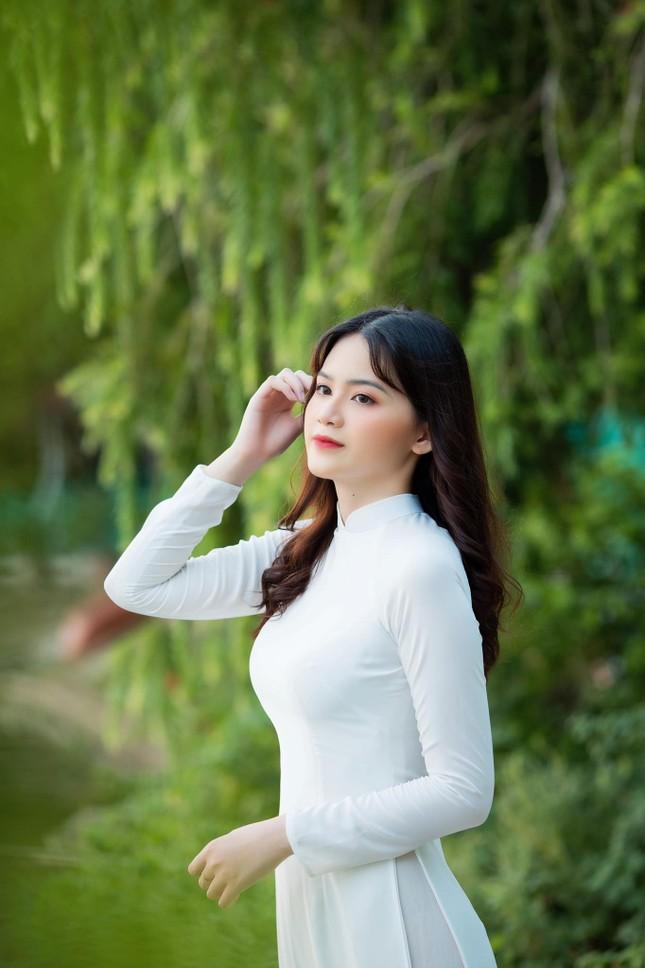 Nữ sinh Ngân hàng thường bị nhầm là ca sĩ Mỹ Tâm dự thi Hoa hậu Việt Nam 2020 ảnh 1
