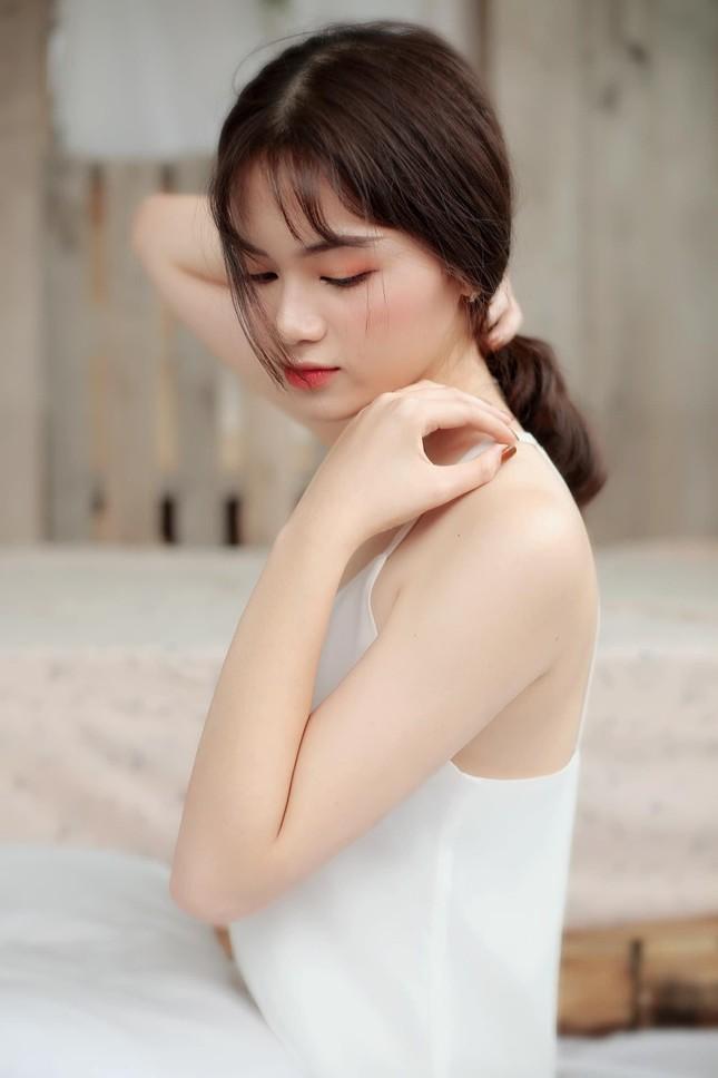 Nữ sinh Ngân hàng thường bị nhầm là ca sĩ Mỹ Tâm dự thi Hoa hậu Việt Nam 2020 ảnh 4