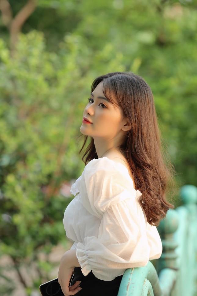Nữ sinh Ngân hàng thường bị nhầm là ca sĩ Mỹ Tâm dự thi Hoa hậu Việt Nam 2020 ảnh 5
