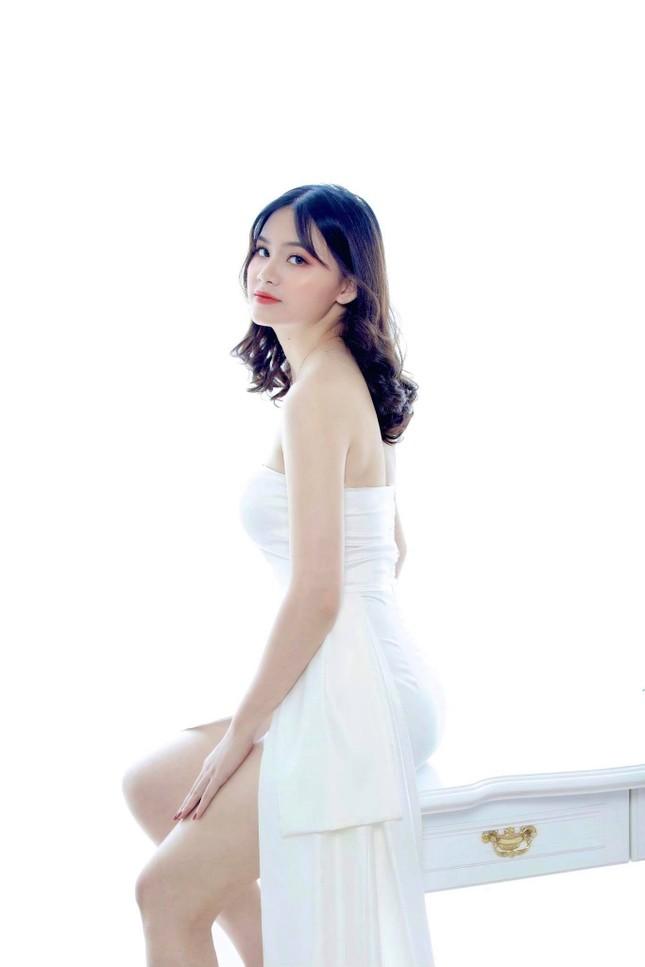 Nữ sinh Ngân hàng thường bị nhầm là ca sĩ Mỹ Tâm dự thi Hoa hậu Việt Nam 2020 ảnh 3