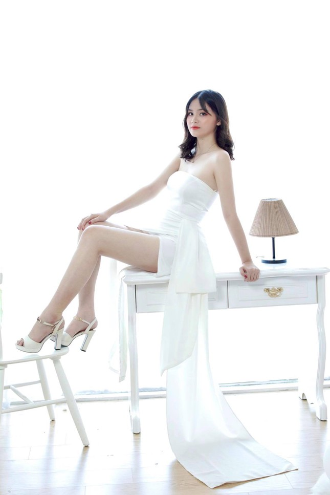 Nữ sinh Ngân hàng thường bị nhầm là ca sĩ Mỹ Tâm dự thi Hoa hậu Việt Nam 2020 ảnh 2