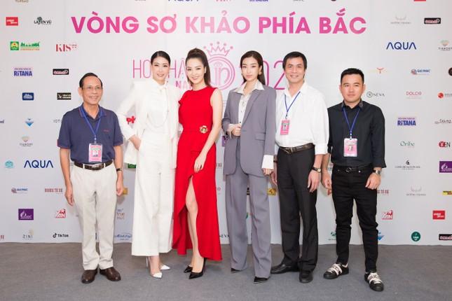 Toàn cảnh sơ khảo phía Bắc cuộc thi Hoa hậu Việt Nam 2020 ảnh 2