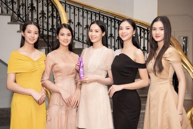 Top 35 Hoa hậu Việt Nam 2020 bước vào hành trình 'Người đẹp Nhân ái' ảnh 2