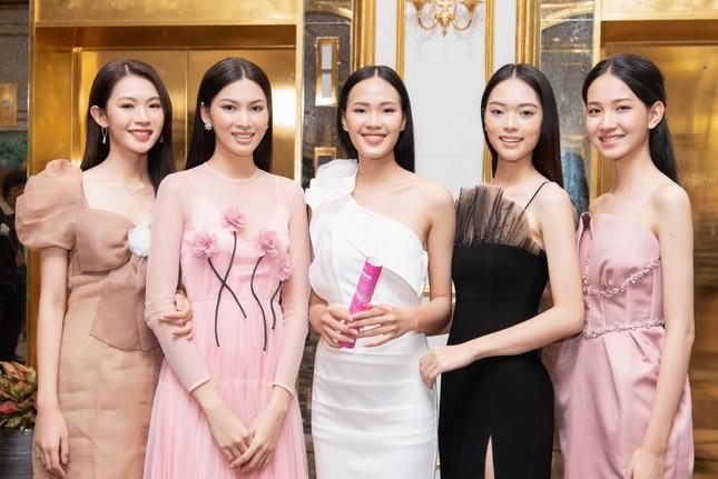 Top 35 Hoa hậu Việt Nam 2020 bước vào hành trình 'Người đẹp Nhân ái' ảnh 3