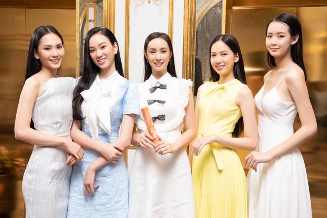 Top 35 Hoa hậu Việt Nam 2020 bước vào hành trình 'Người đẹp Nhân ái' ảnh 4