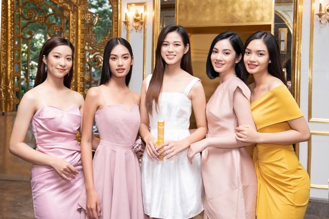 Top 35 Hoa hậu Việt Nam 2020 bước vào hành trình 'Người đẹp Nhân ái' ảnh 5
