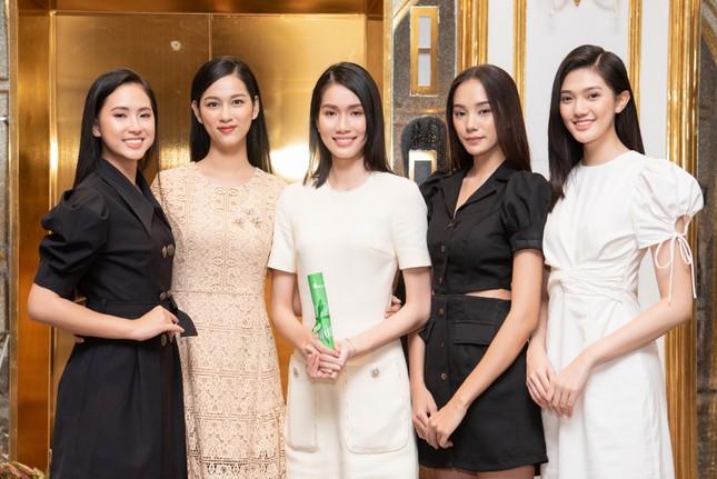 Top 35 Hoa hậu Việt Nam 2020 bước vào hành trình 'Người đẹp Nhân ái' ảnh 6