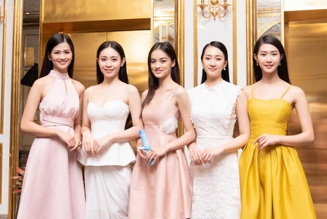 Top 35 Hoa hậu Việt Nam 2020 bước vào hành trình 'Người đẹp Nhân ái' ảnh 8