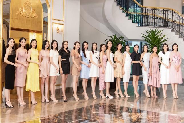 Top 35 Hoa hậu Việt Nam 2020 bước vào hành trình 'Người đẹp Nhân ái' ảnh 10