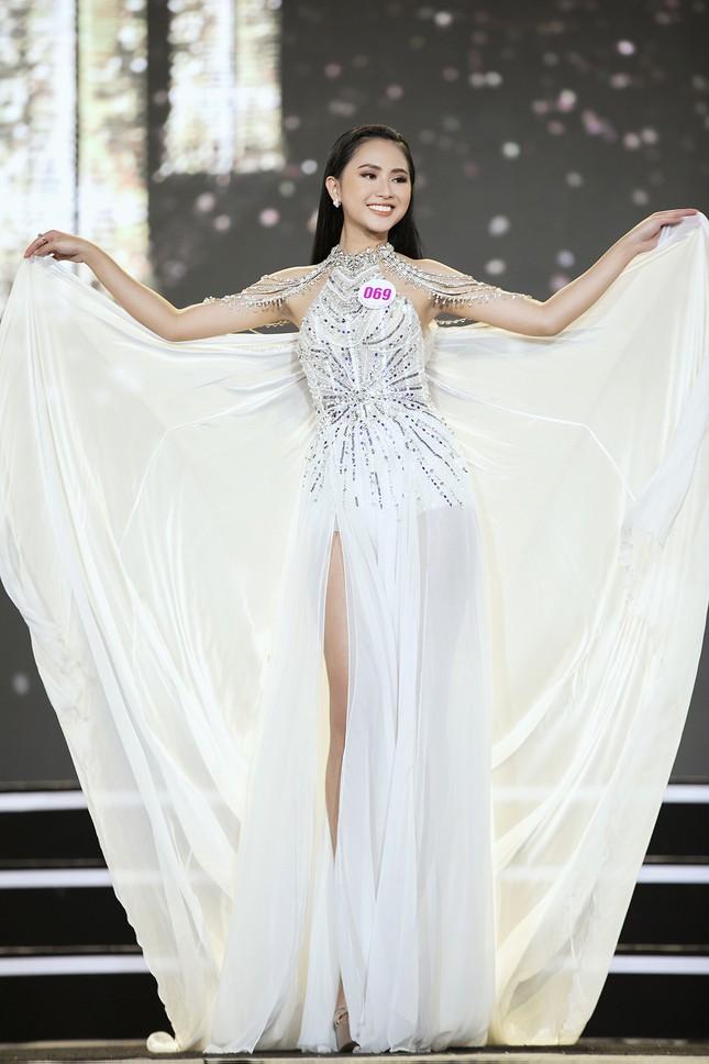 Ngắm nhan sắc của 14 thí sinh phía Nam vào Chung kết Hoa hậu Việt Nam 2020 ảnh 21
