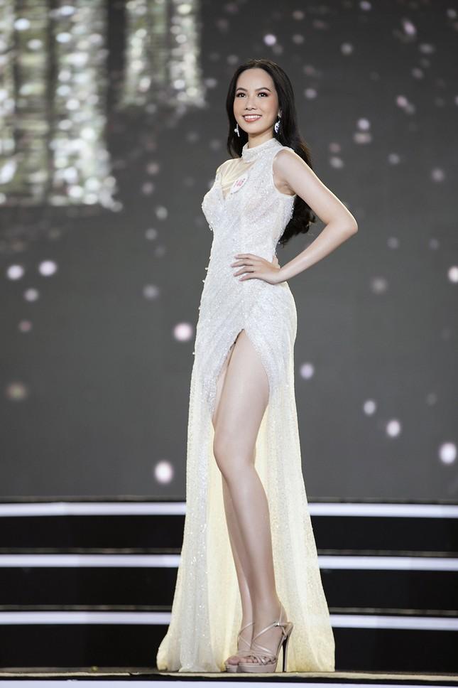 Ngắm nhan sắc của 14 thí sinh phía Nam vào Chung kết Hoa hậu Việt Nam 2020 ảnh 7