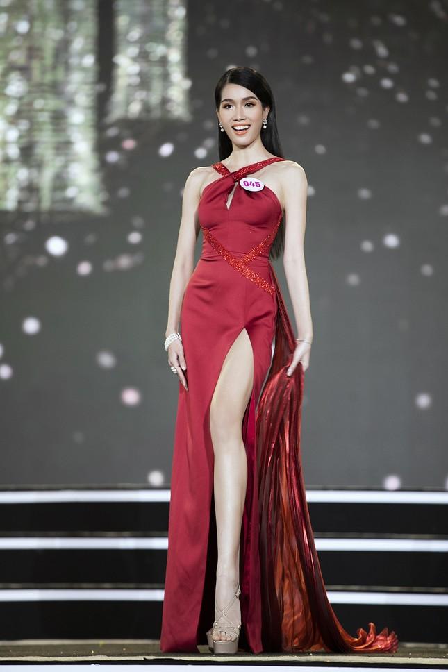 Ngắm nhan sắc của 14 thí sinh phía Nam vào Chung kết Hoa hậu Việt Nam 2020 ảnh 27