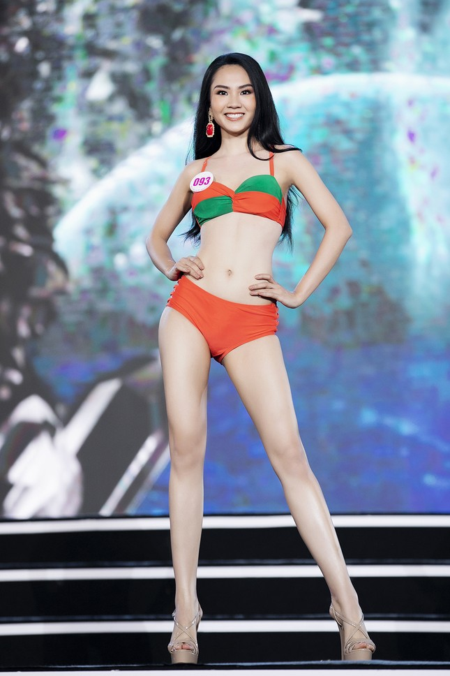 Ngắm nhan sắc của 14 thí sinh phía Nam vào Chung kết Hoa hậu Việt Nam 2020 ảnh 26