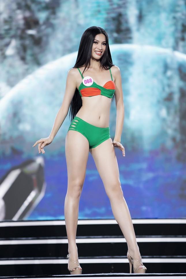 Ngắm nhan sắc của 14 thí sinh phía Nam vào Chung kết Hoa hậu Việt Nam 2020 ảnh 20