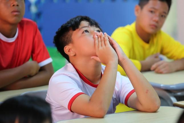 HLV Nguyễn Hồng Sơn bị học trò viết đơn 'khiếu nại' tại show truyền hình thực tế ảnh 2