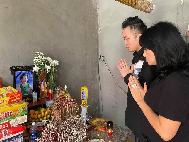 Showbiz 25/10: Tuấn Hưng viết tâm thư xúc động cho con trai Su Hào ảnh 2