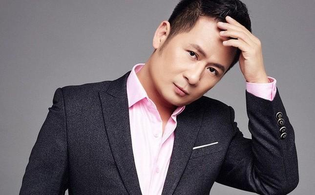 Showbiz 26/10: Sau bị tố đạo nhái áo dài Việt, nhiếp ảnh gia Trung Quốc có động thái lạ ảnh 2