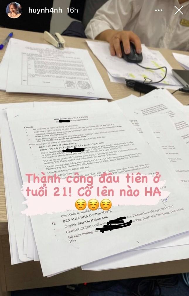 Showbiz 27/10: Bạn gái Quang Hải khoe mua nhà ở tuổi 21 gây ngỡ ngàng ảnh 1