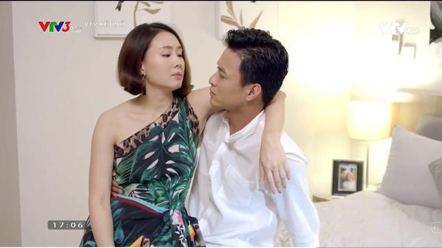 Showbiz 10/11: Ca sĩ Tùng Dương tiết lộ lý do chưa tổ chức đám cưới với vợ hơn 2 tuổi ảnh 4