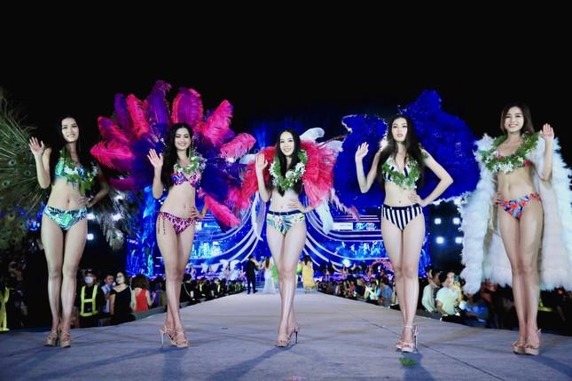 Đường cong nóng bỏng của 5 cô gái mặc bikini đẹp nhất Hoa hậu Việt Nam 2020 ảnh 1