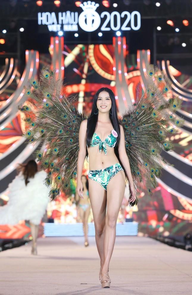 Đường cong nóng bỏng của 5 cô gái mặc bikini đẹp nhất Hoa hậu Việt Nam 2020 ảnh 6