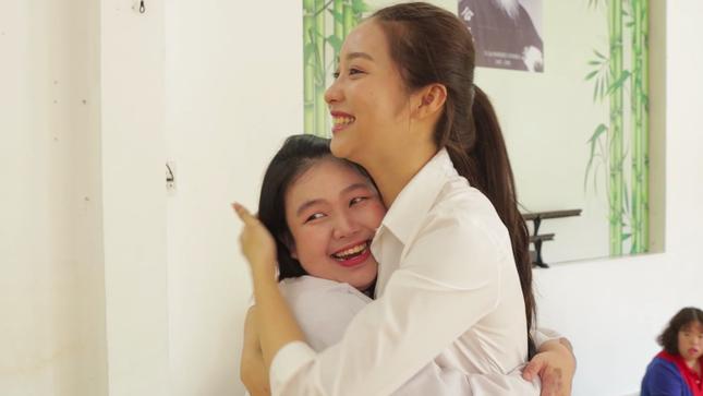 Thí sinh HHVN 2020 nghẹn ngào trước hành trình 50 năm 'gieo' hi vọng cho trẻ tự kỉ ảnh 3