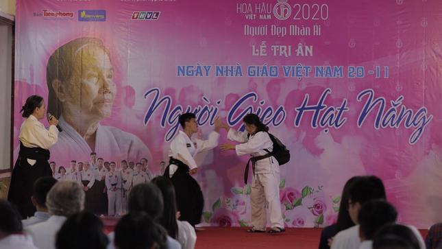 Thí sinh HHVN 2020 nghẹn ngào trước hành trình 50 năm 'gieo' hi vọng cho trẻ tự kỉ ảnh 5