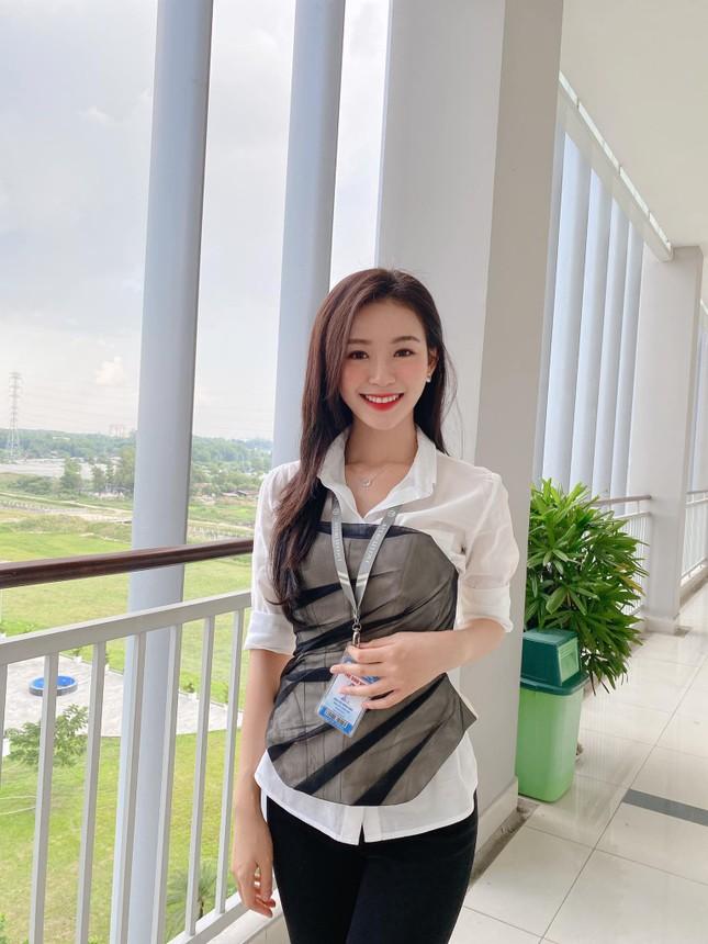 Nhan sắc 'Người đẹp được yêu thích nhất' Hoa hậu Việt Nam 2020 ảnh 6